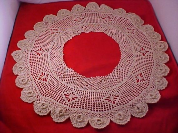 Hand Crocheted ORNATE ROSES Ecru Collar