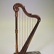 Fine quality vintage miniature gilt metal Harp model