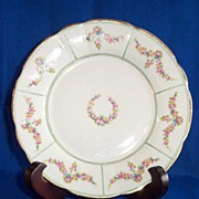 R L Dresden Plate with Dainty Flowers