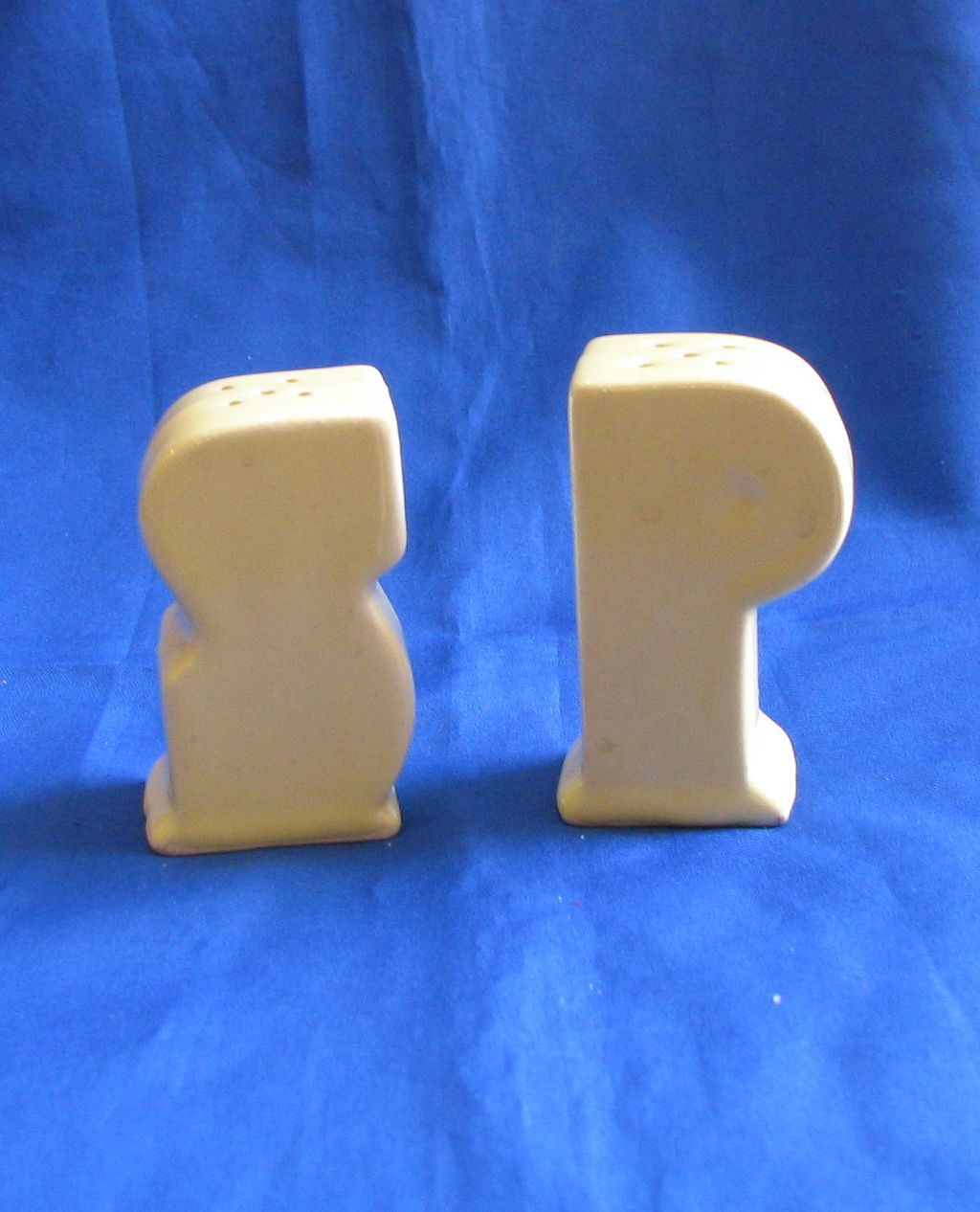 Ceramic S and P Salt and Pepper Shakers