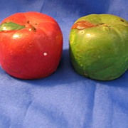 Molded Red and Green Apples Salt and Pepper Shaker Set
