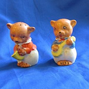 Ceramic Bears Salt and Pepper Shakers Japan