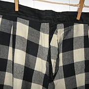 Early Ladies Black/White Plaid Wool Petticoat 19th C. PA