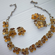 Lisner Thermoset Amber Flowers Necklace Pin Earrings Set Vintage