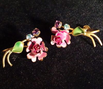 Vintage dainty signed Austria figural enameled rose earrings