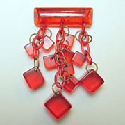 Vintage gummy bear applejuice red Bakelite cubes waterfall brooch mod retro