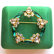 Vintage elegant flower baskets circle dainty rhinestone brooch