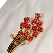 Give Her Roses! Bouquet Of One Dozen Red Roses Brooch