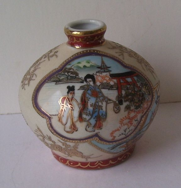 Hand Painted Moriage Nippon Sake Bottle Morimura Brothers
