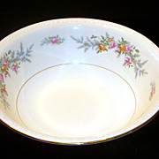Homer Laughlin Eggshell Georgian Gold Trimmed Serving Bowl