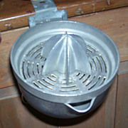 Vintage Aluminum Hand Crank Counter Top Reamer or Juicer