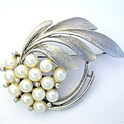 Vintage Faux Pearl Brooch with Silver Tone Leaves