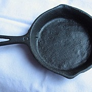Griswold Toy Cast Iron Skillet - Number #562