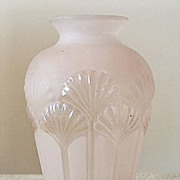 "6"" Light Rosa Pink Frosted Glass Vase w/ Bovine Head Mark"