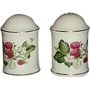 SALE IRICE Import Strawberries Salt and Pepper Set ~ JAPAN ~ Very Pretty!
