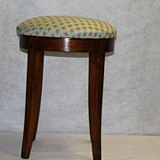 English Hepplewhite Walnut Elegant Vanity Stool, Circa1930s'