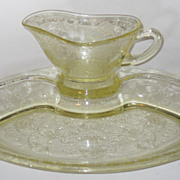 Florentine 2 Yellow Gravy Boat And Underplate Meat Platter