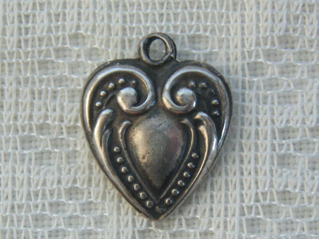 Vintage/Antique C1900's Sterling Victorian Beaded Repousse Puffy Heart Charm