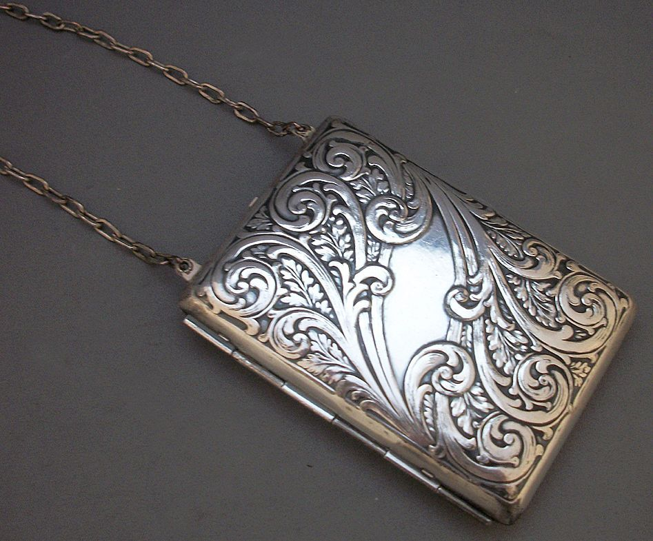 Charming Art Nouveau Ladies Compact - Purse