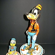 1946 Walt Disney's Donald Duck Duet Tin Lithographed Toy VINTAGE
