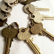 SALE LOT Of Eleven:  Variety of Vintage Keys on Chain