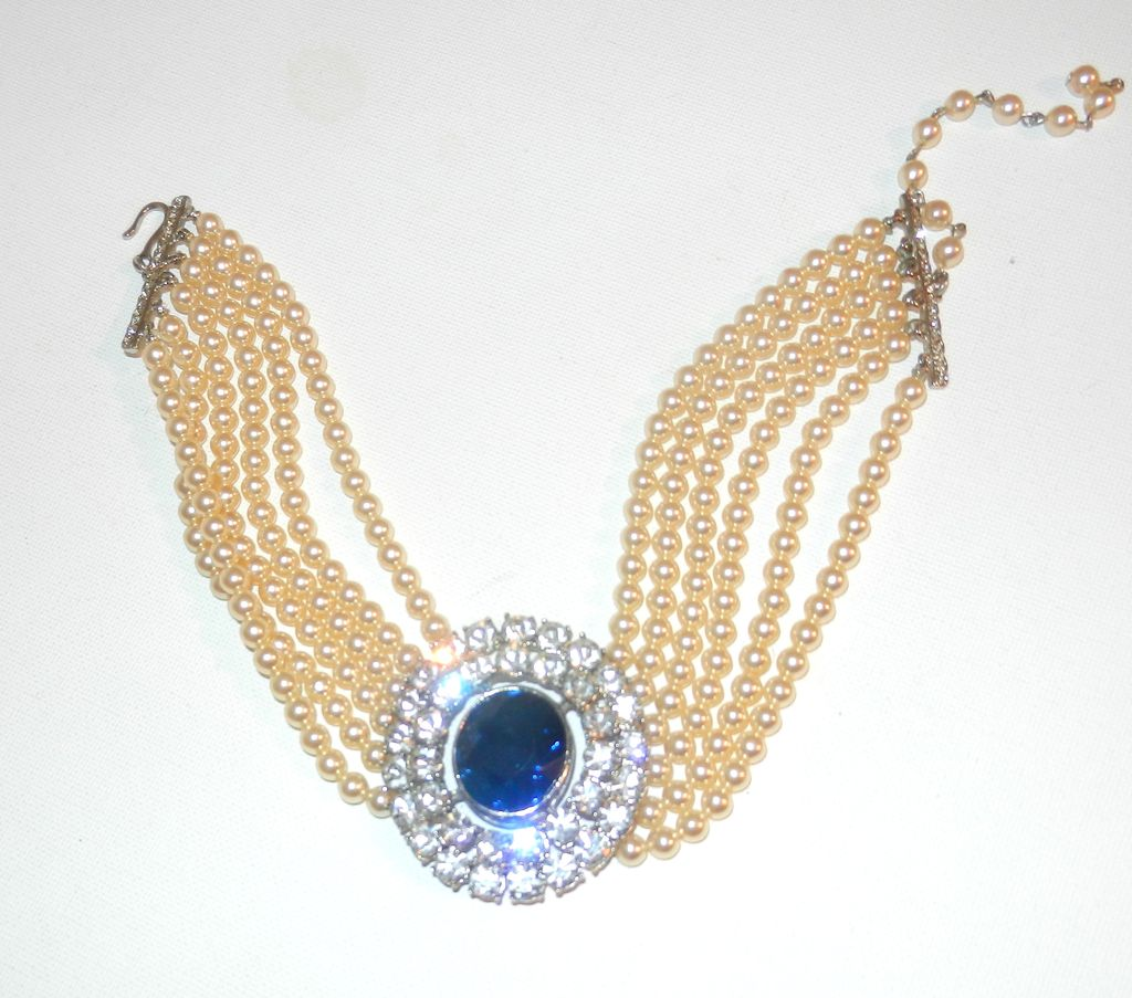Item ID: 2/6 Lane Pearl Neckl In Shop's Backroom