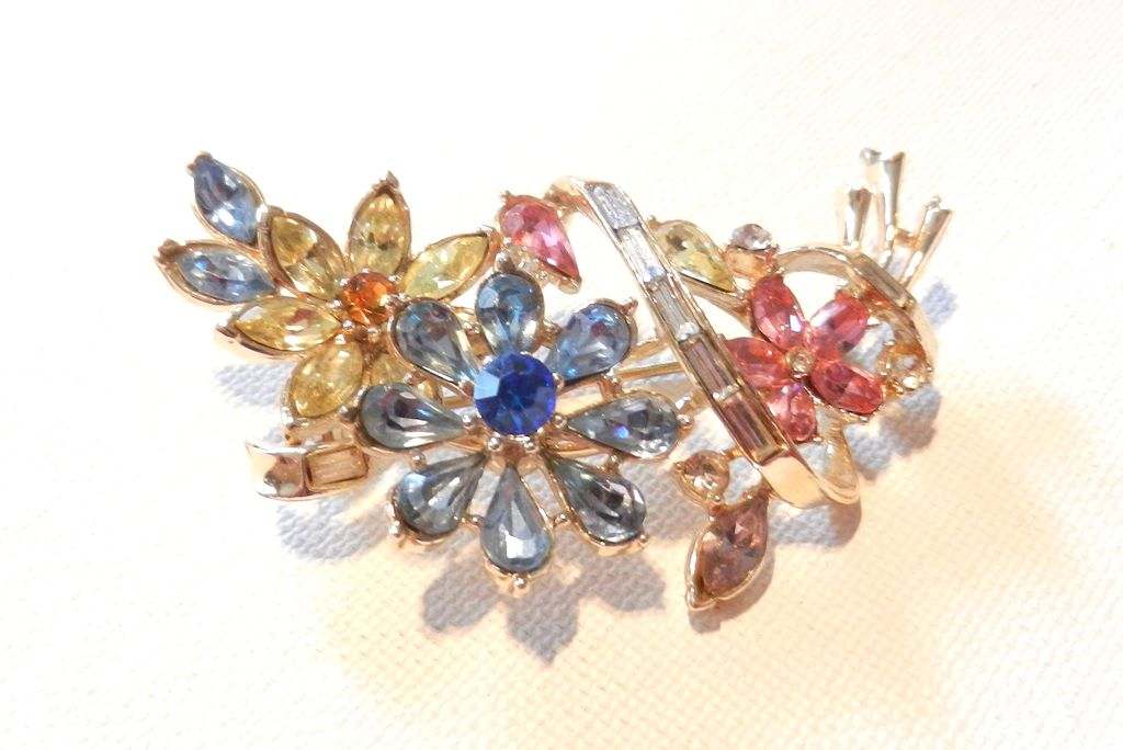 Vintage Trifari Colorful Rhinestone Flower Brooch