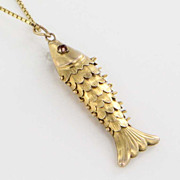Vintage Estate Fish Flexible 9 Karat Yellow Gold Drop Pendant Necklace Heirloom Fine Jewelry