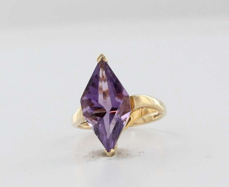 Estate 10 Karat Yellow Gold Amethyst Cocktail Ring Fine Jewelry Pre-Owned Vintage 6