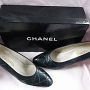 Chanel Designer Vintage New York~Paris Quilted Black Leather Heels~Pumps 8 Italy