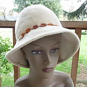 Empress West Germany Vintage Cream Furry Felt Fedora~Flapper Hat 22""