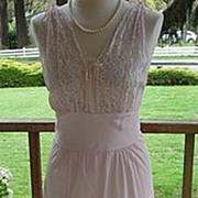 Beautiful Vintage 1930's~1940's Pink Rayon Bias Cut Nightgown With Lace Bodice L