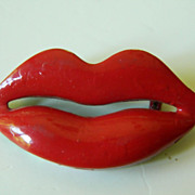 Vintage- red lips- Enameled pin