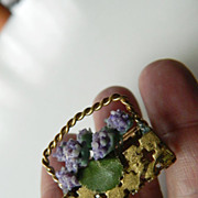 Vintage-Flower basket -Pin