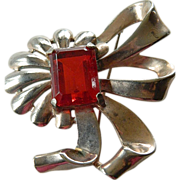 Fabulous- large and bold- 1940's pin with Gigantic Jewel