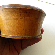 Hand turned- wood-bowl-peasewear