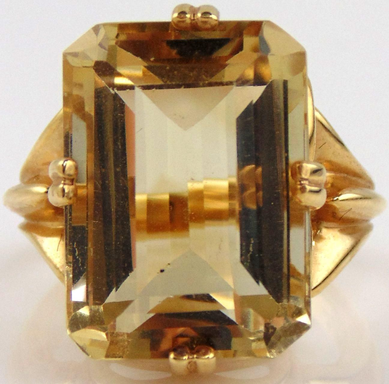 14kt Yellow Gold Ladies Ring With Large Citrine