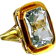 Aquamarine Ring in 14kt Yellow Gold - 9.51cts Emerald - Cut