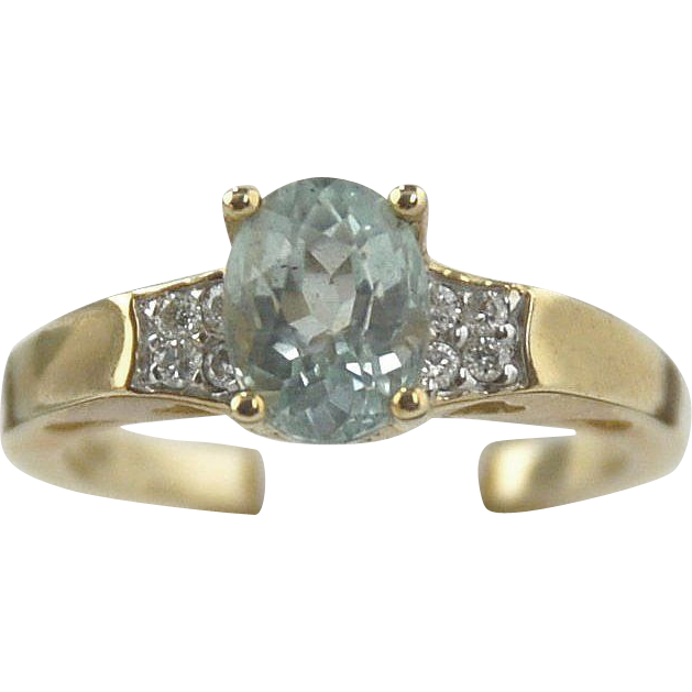 Aquamarine & Diamond Ring in 14kt Yellow Gold