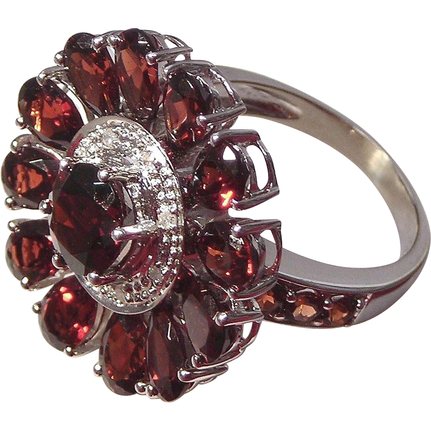 Garnet and Diamond 10kt White Gold Ladies Ring, Size 6 3/4