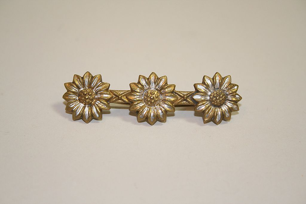 Very Early Hand Made Daisy Pin
