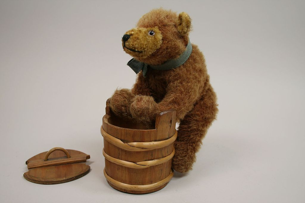 1920's Little Eduard Cramer Bear