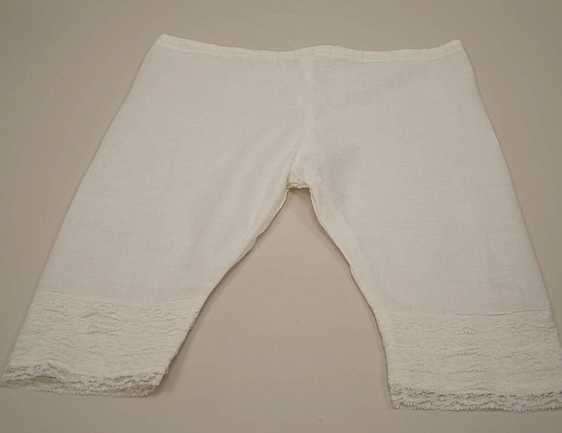 Early Draw Closure Doll Pantaloons