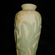 Phoenix & Consolidated Art Glass Jonquil Vase