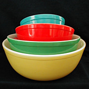 Vintage Pyrex Primary Colors Nesting Bowls USA
