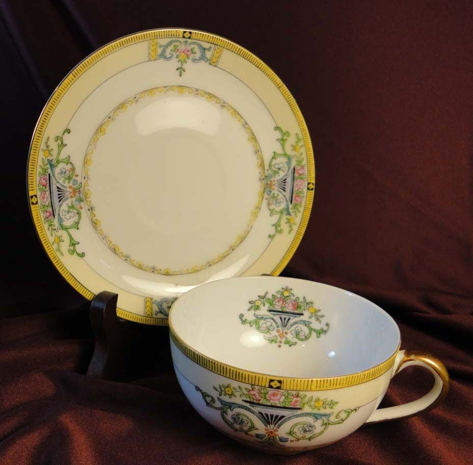"Noritake ""Minaret"" Cup and Saucer Set from early 1900s (4 available)"