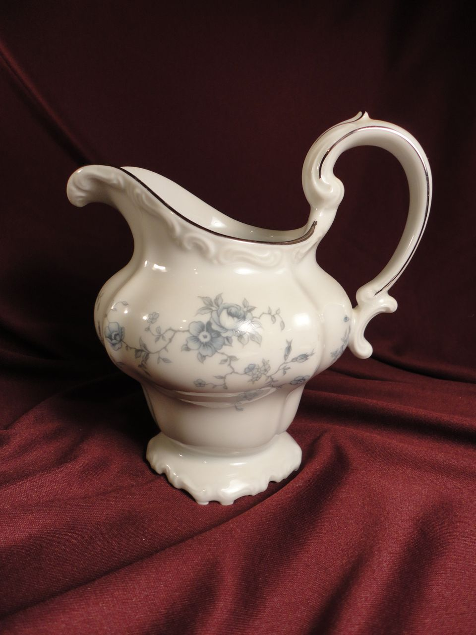 Johann Haviland &quot;Blue Garland&quot; Creamer