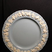 Wedgwood Queen's Ware Embossed Cream on Lavender w/Shell Edge Dinner Plate (8 available)