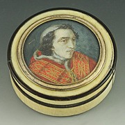 Carved Ivory and Tortoise Shell Pope Pius VII Chiaramonti Portrait Box
