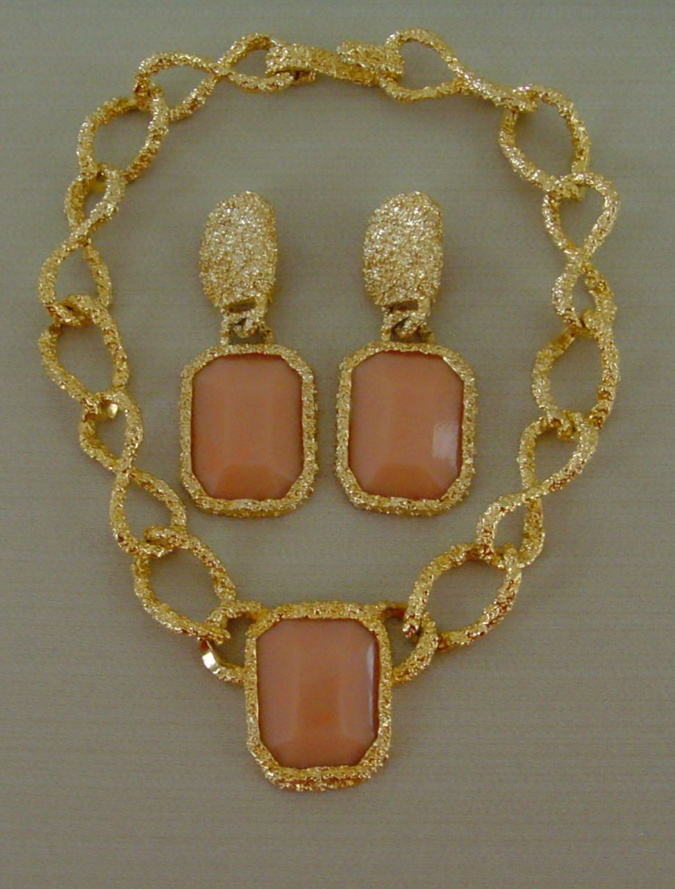 Les Bernard Lucite and Gold-Tone Metal Necklace and Earring Set